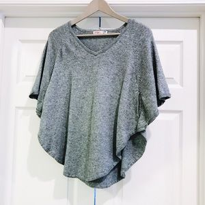 Umgee Heather Gray Short Sleeve Poncho Sweater